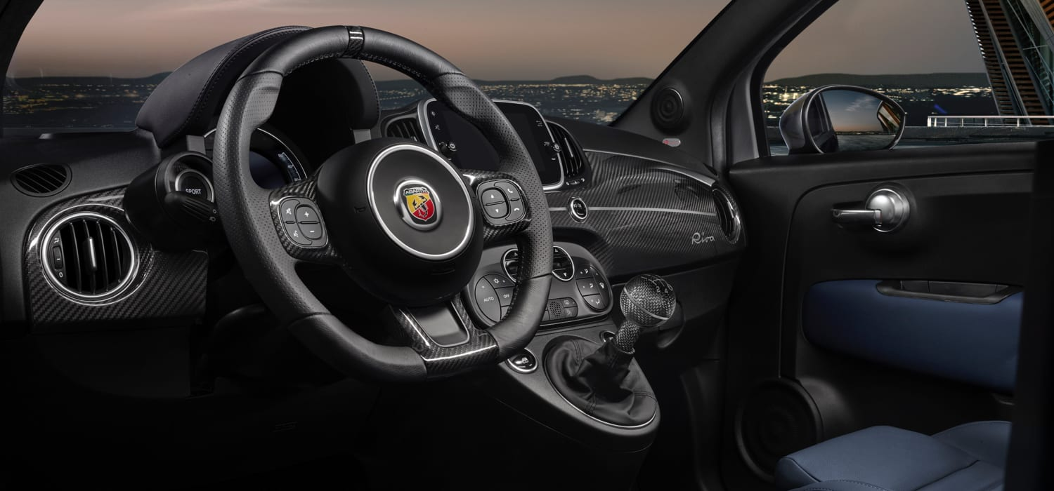 Abarth 695 Rivale interieur
