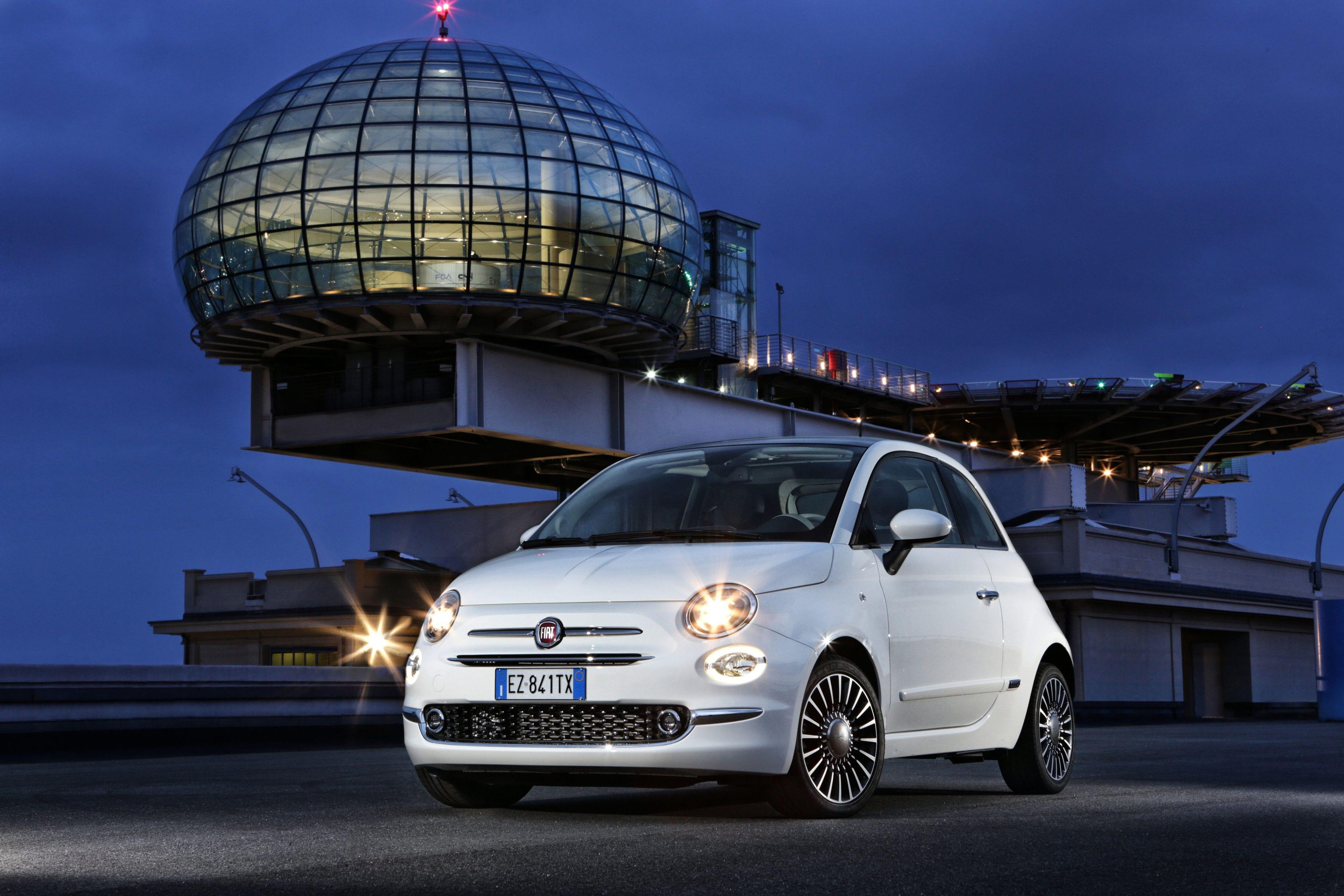 Fiat 500 wit voorkant