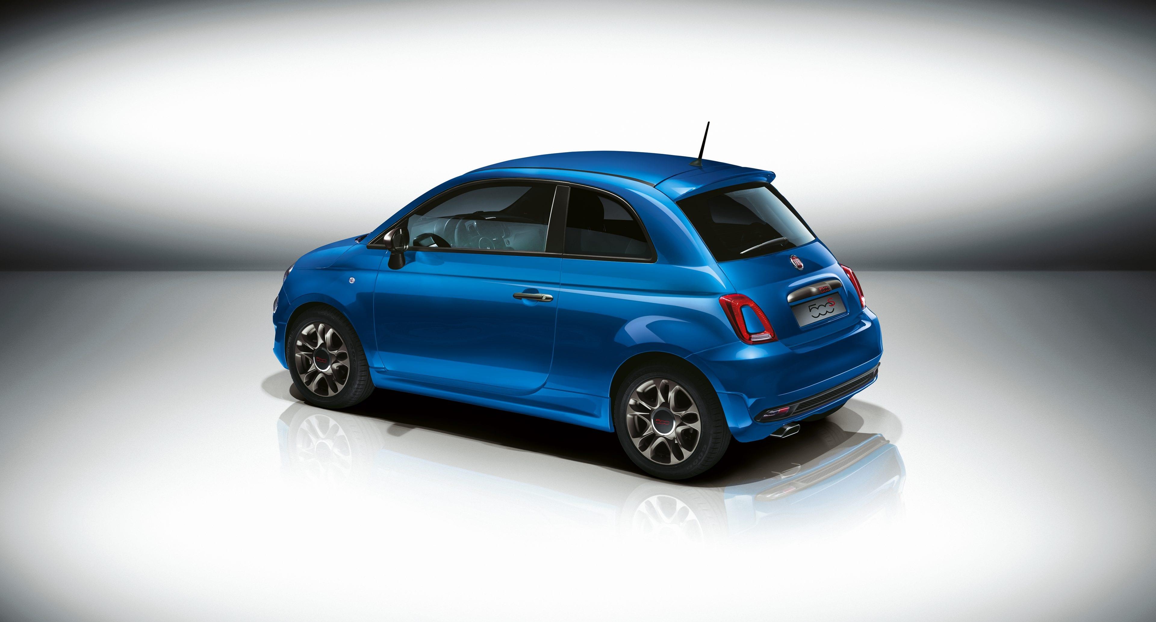 Fiat 500 blauw zijkant