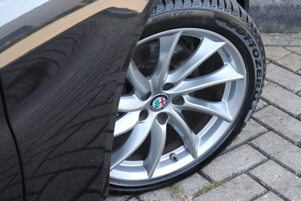 Goedkoopste Alfa Giulia benzine - velg