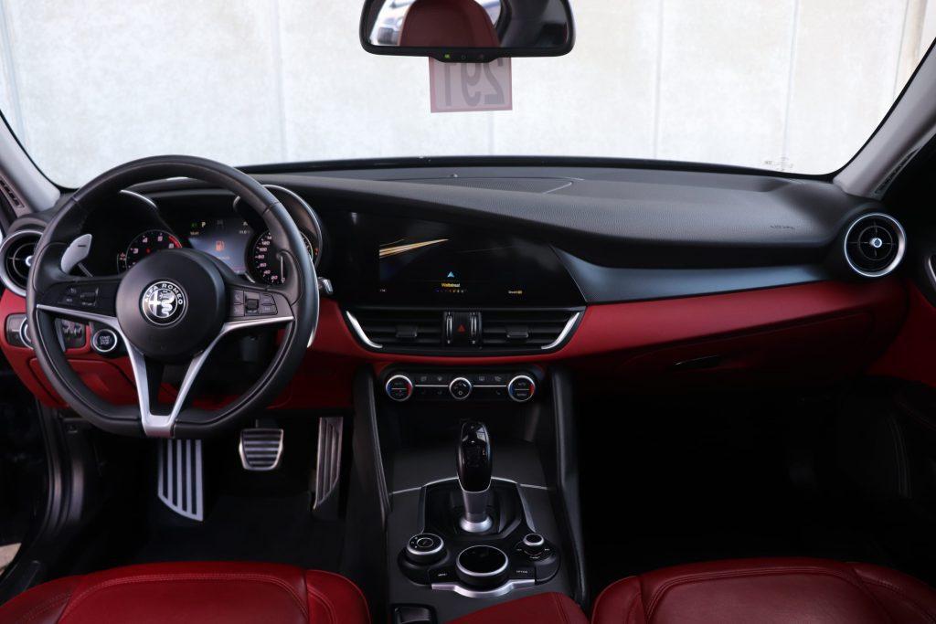 Goedkoopste Alfa Giulia benzine - dashboard