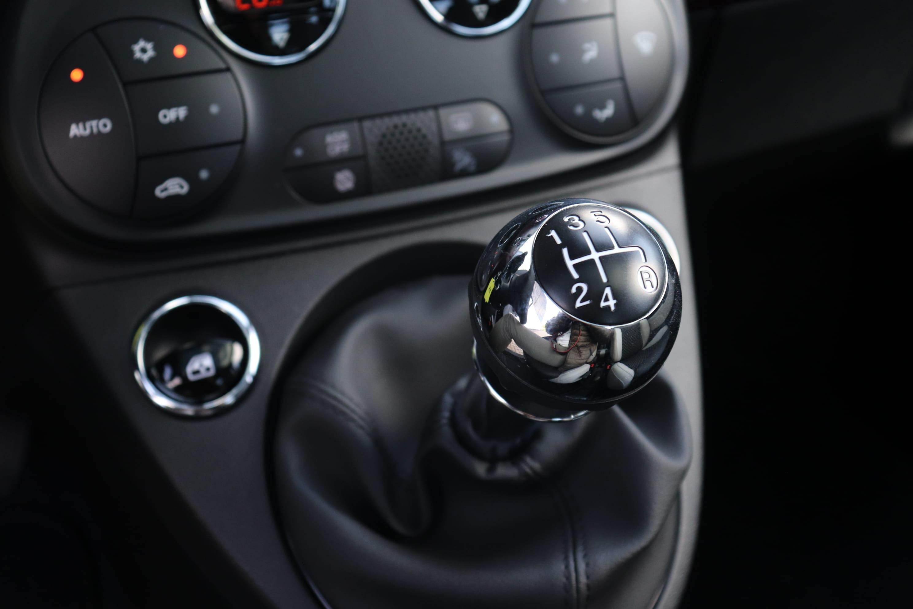 Fiat 500 1.2 Star - versnellingspook