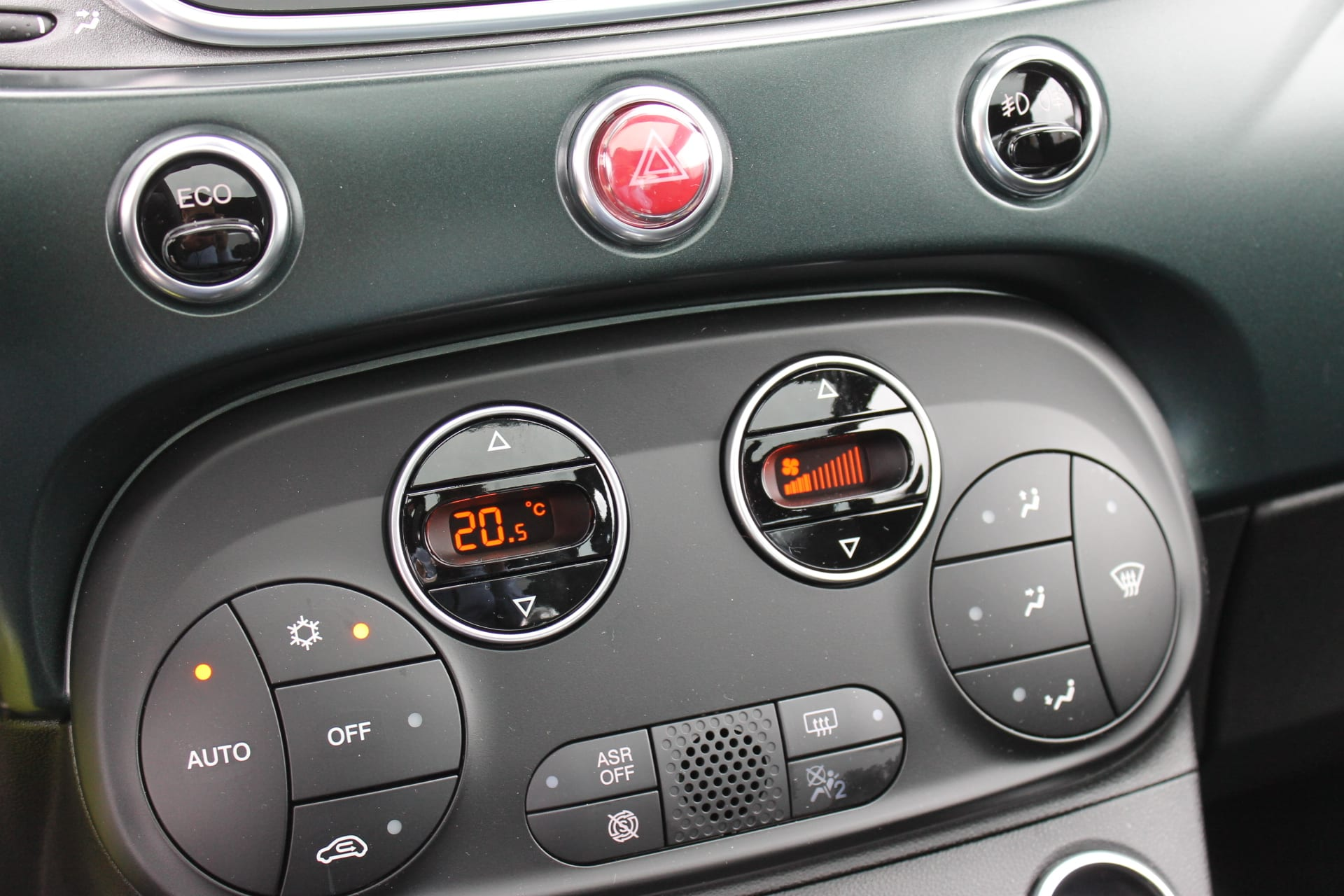 Fiat 500 Rockstar matgroen - temperatuurregelaar