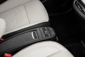 New Fiat 500e hatchback middenconsole