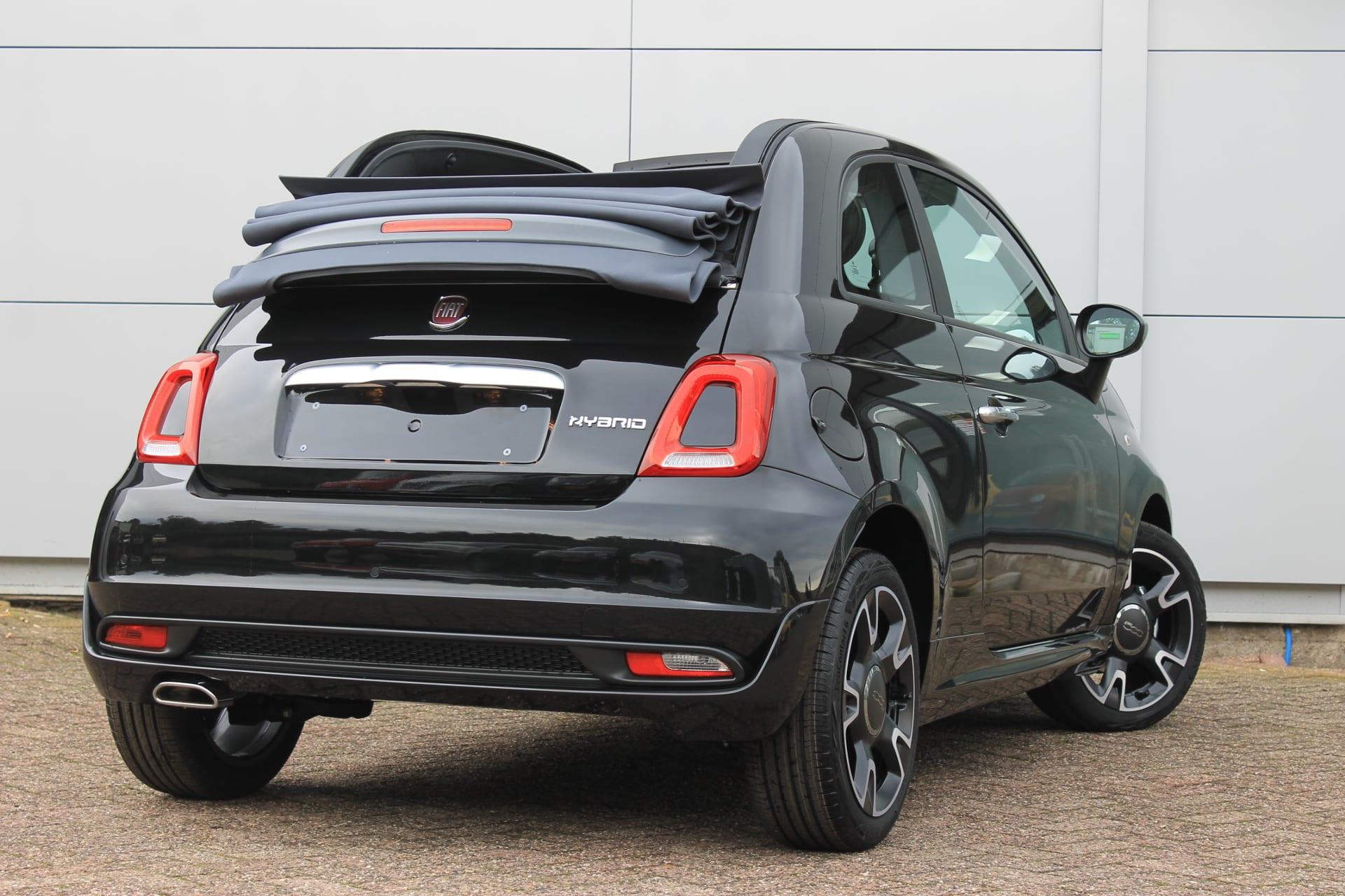 Fiat 500C Hybrid Rockstar zwart - achterkant cabriodak open