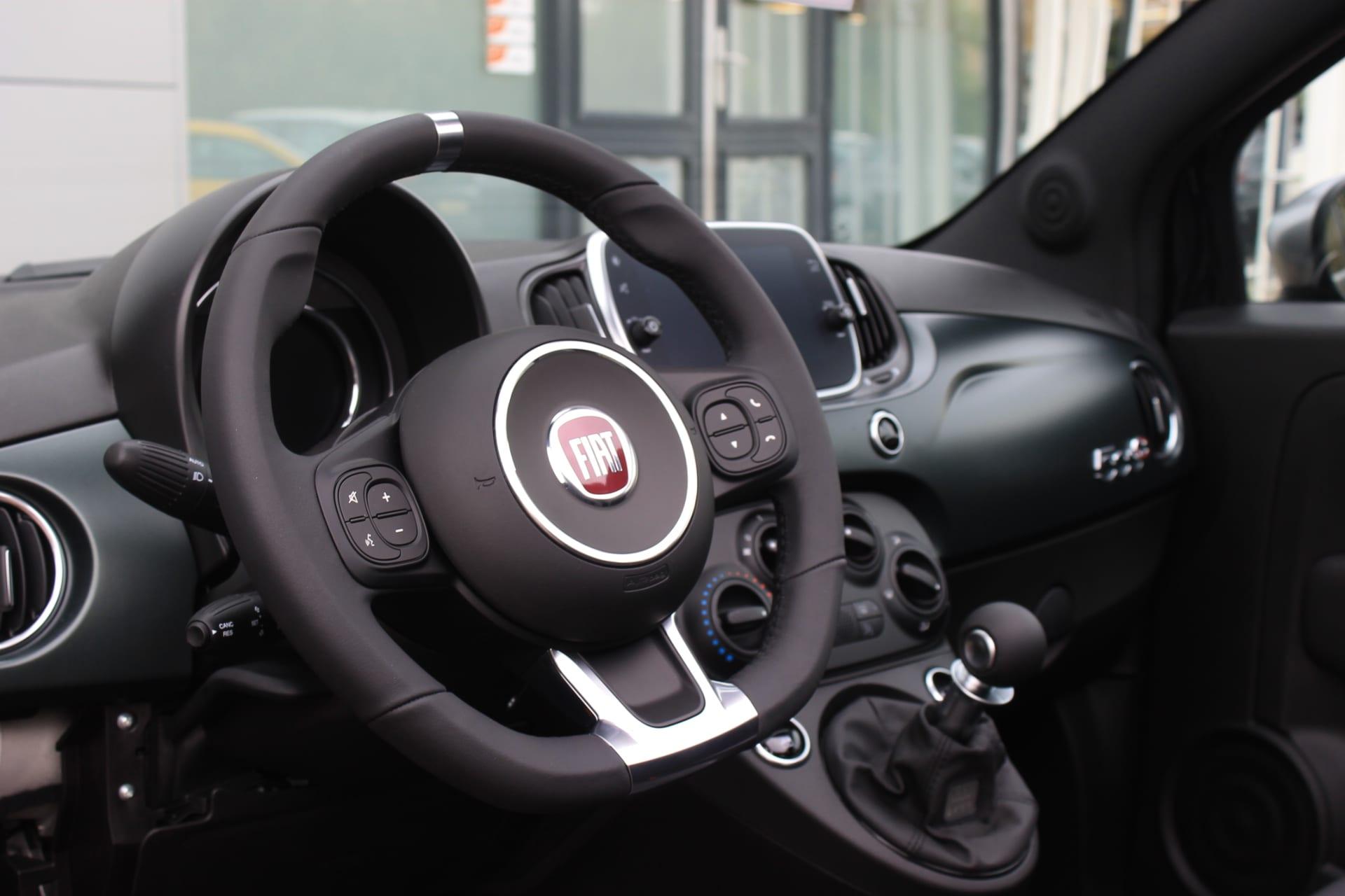 Fiat 500C Hybrid Rockstar zwart - stuur + dashboard