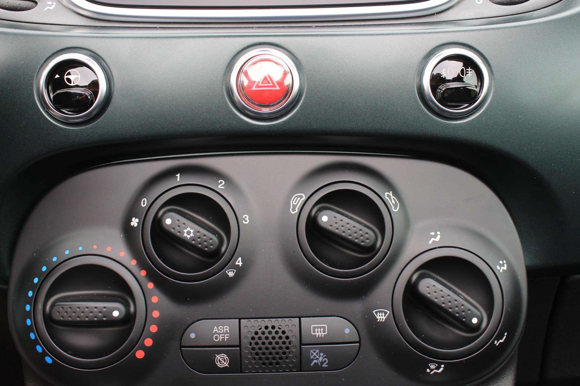Fiat 500C Hybrid Rockstar zwart - climate control