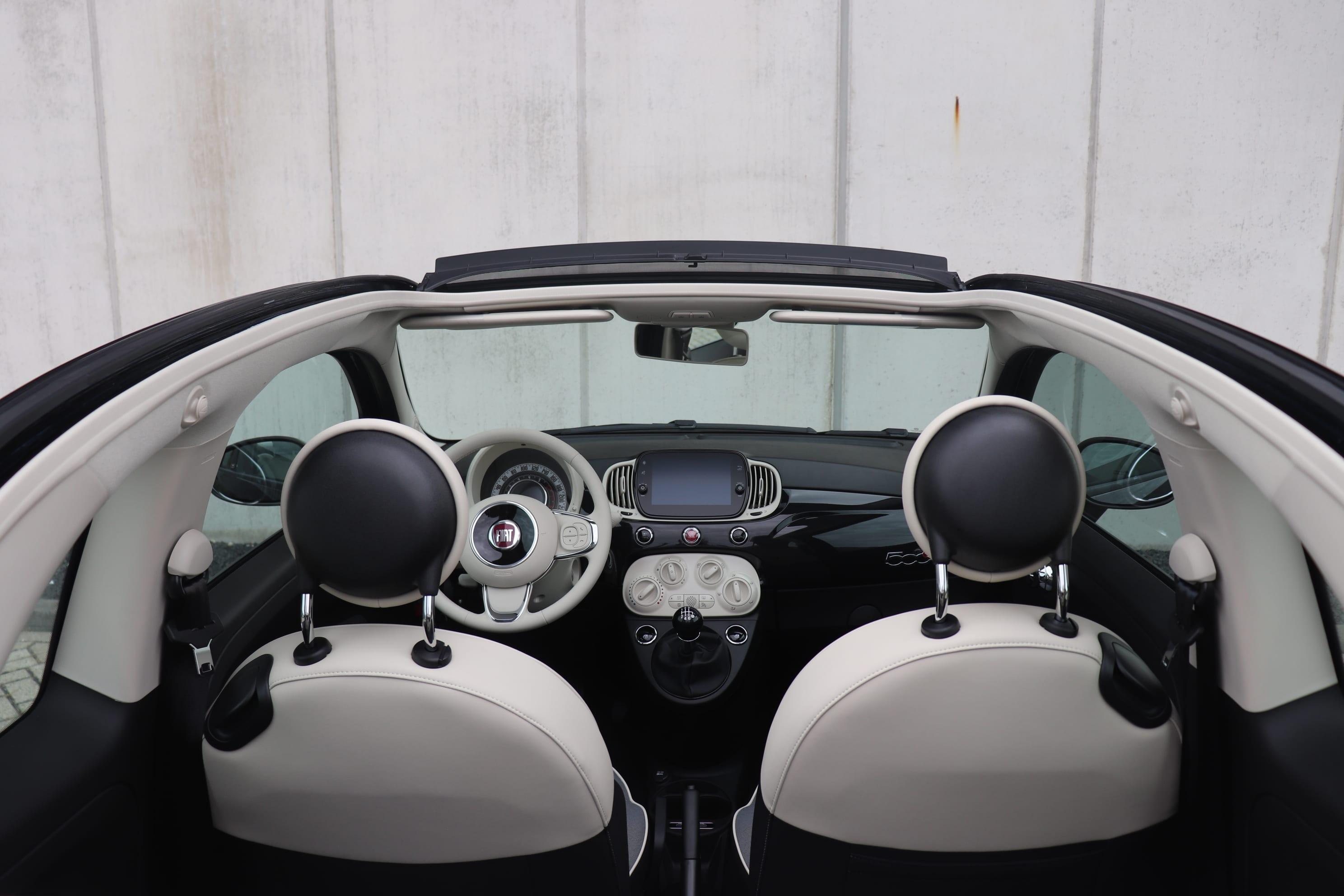 Fiat 500C Hybrid Lounge zwart - bovenaanzicht interieur