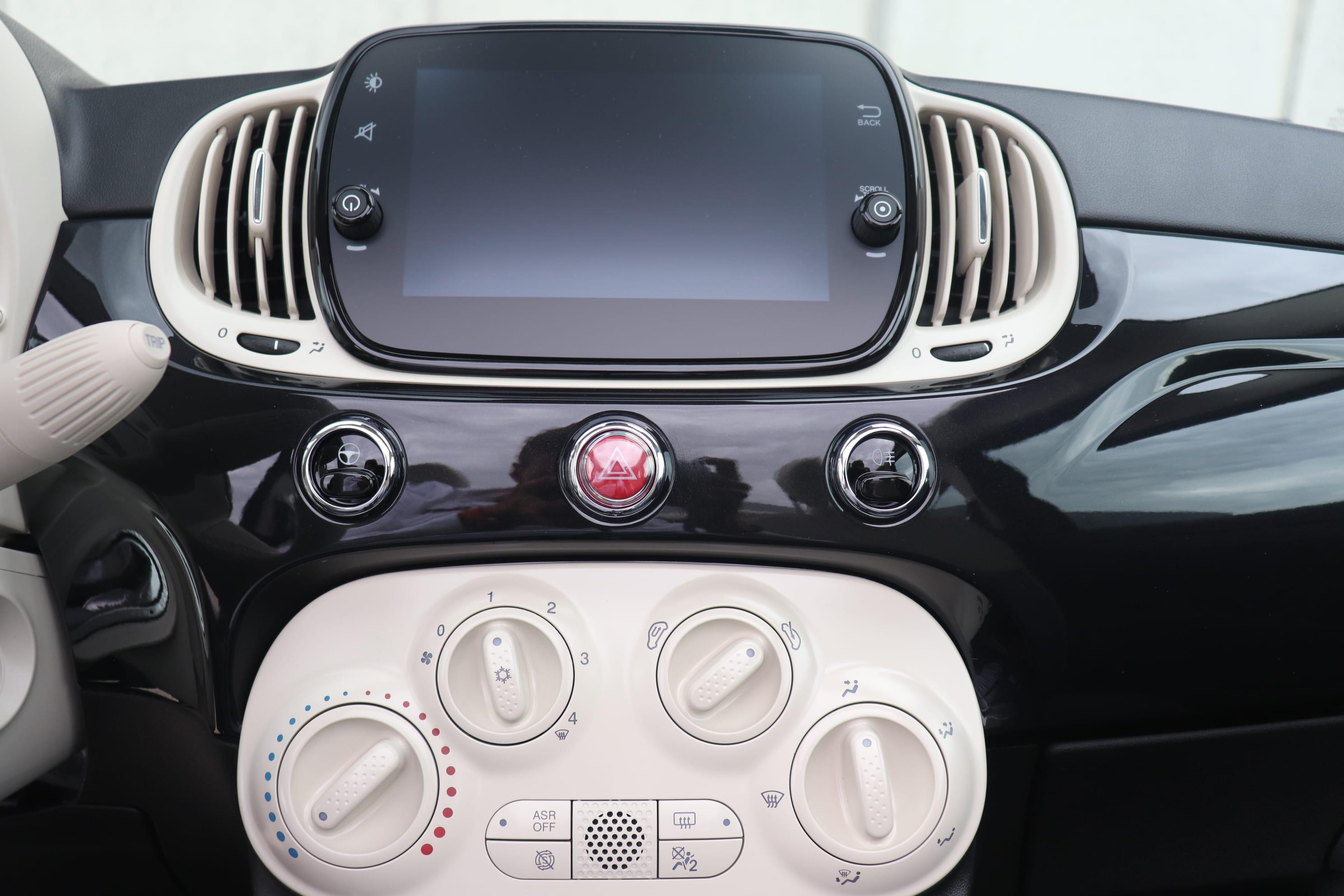 Fiat 500C Hybrid Lounge zwart - instrumentarium