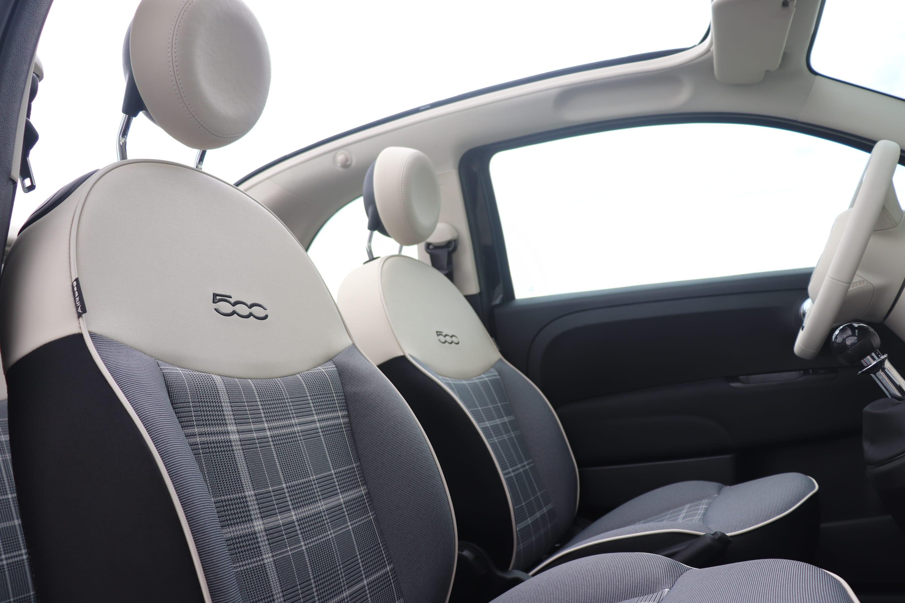 Fiat 500C Hybrid Lounge zwart - voorstoelen