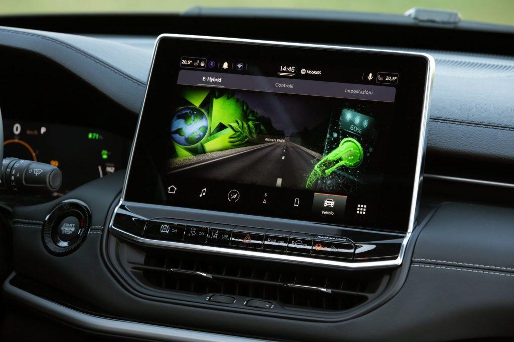 jeep new compass infotainment systeem - 80 jarige verjaardag