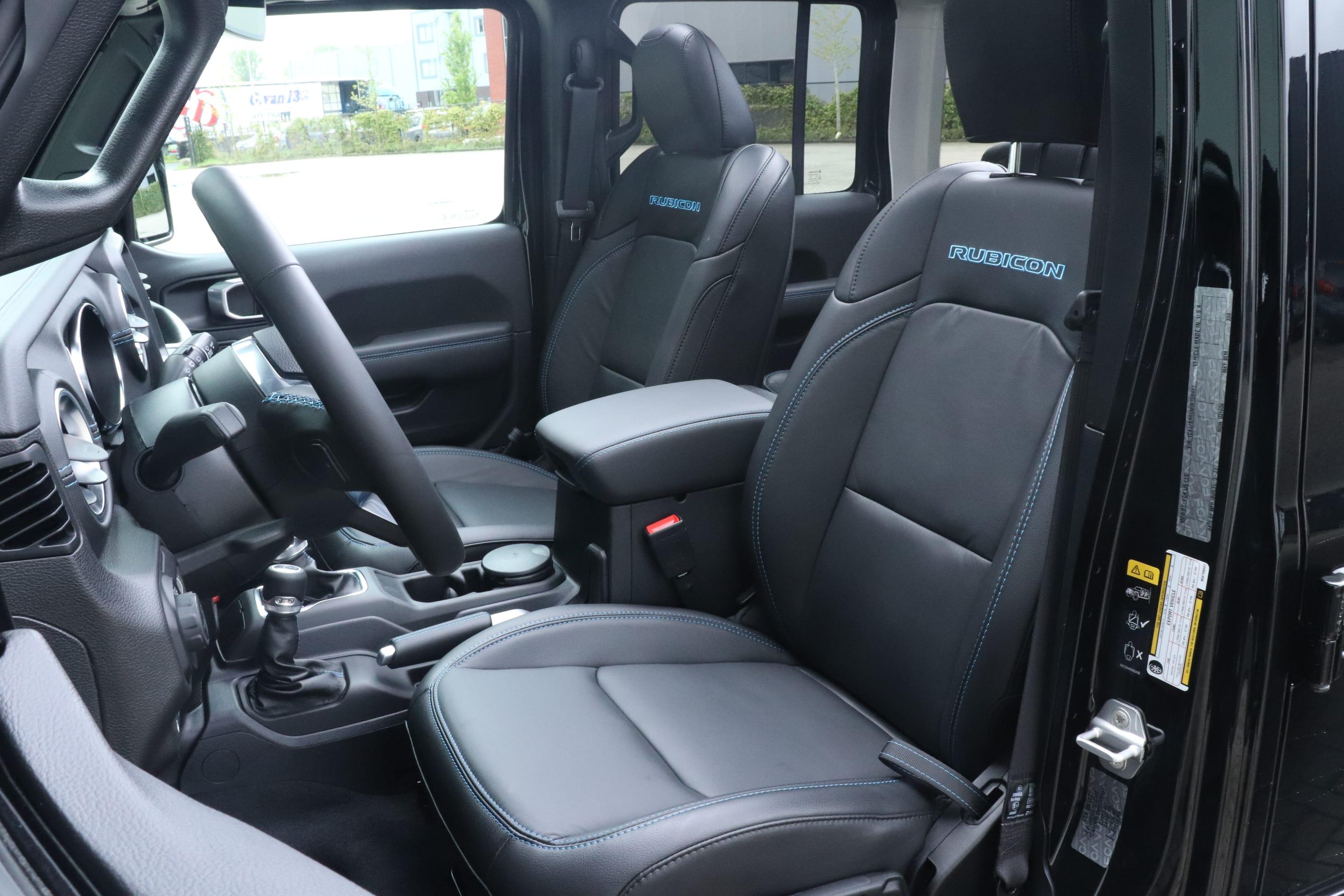 Jeep Wrangler Rubicon 4xe - interieur voorstoelen