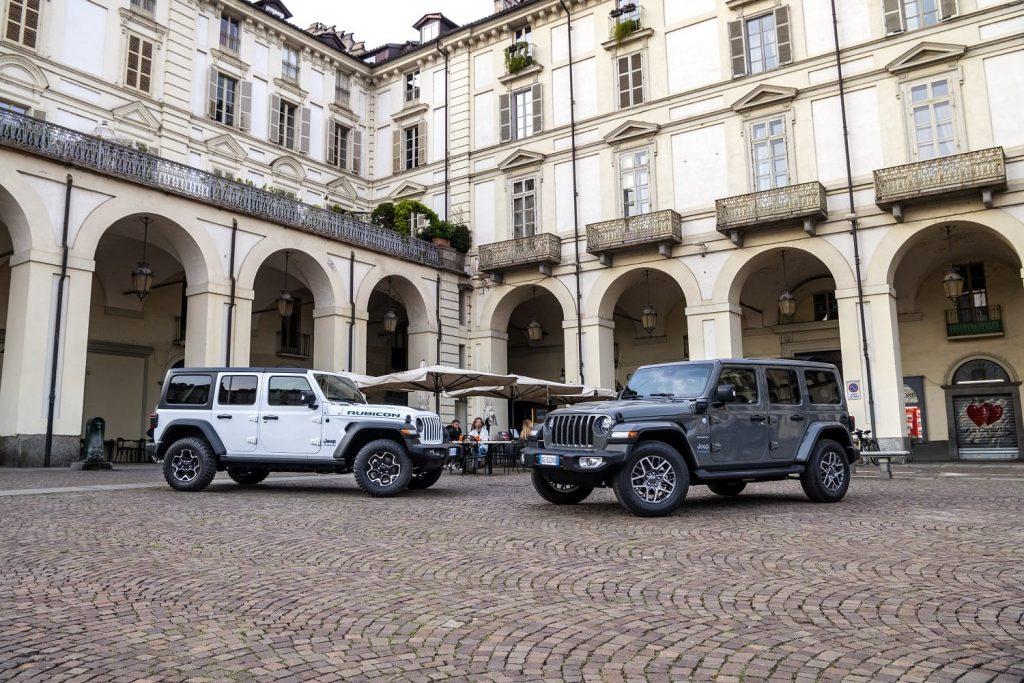 Jeep Wrangler 4xe Rubicon en 80th anniversary - zijkant