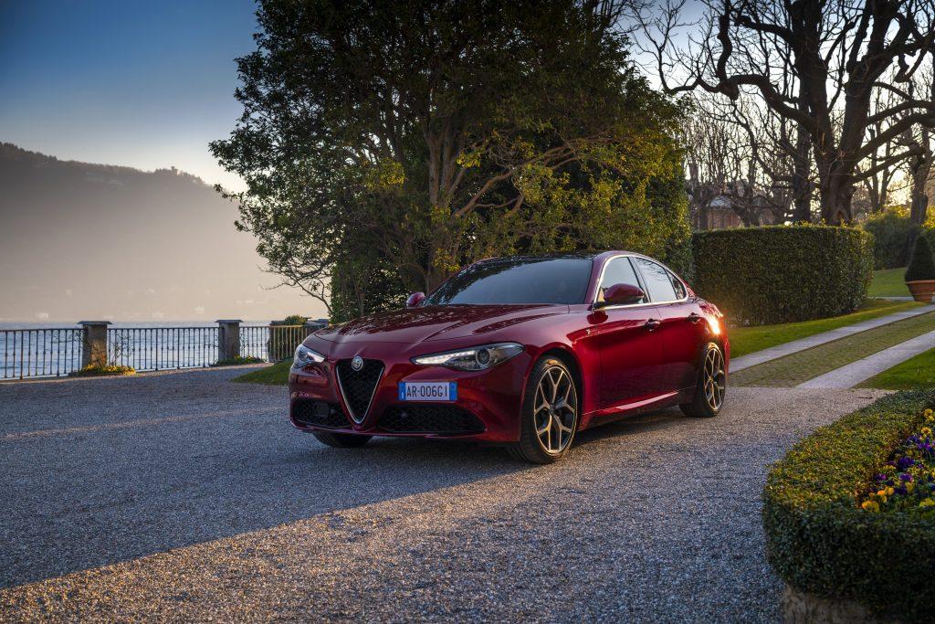 Alfa Romeo Giulia 6C Villa d'Este - schuin voorkant stilstaand