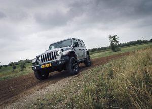 Jeep Wrangler 4XE schuin voorkant