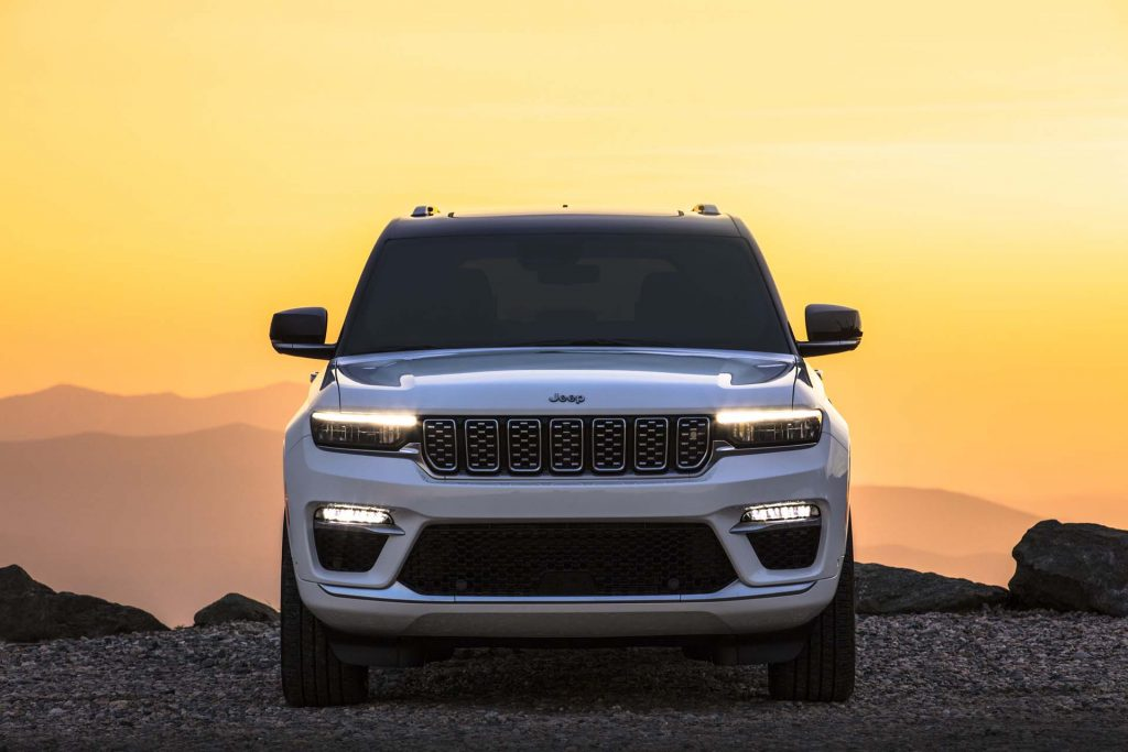 All-new 2022 Jeep® Grand Cherokee Summit Reserve - voorkant